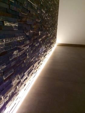Amazing LED Beleuchtung Steinwand